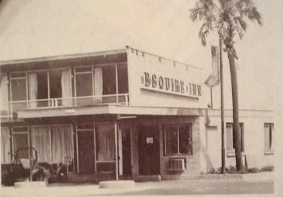 Esquire Inn bw